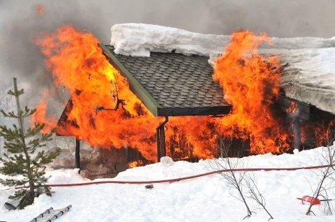 HYTTEBRANN: Antallet branner hvor menneskelige feil er årsaken, topper seg i desember, kommer det fram i en ny pressemelding fra Tryg Forsikring.