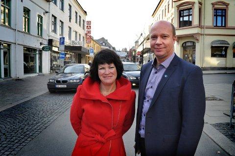 SAMLER SEG OM SYKEHUS: Ketil Kjenseth og Christin Guldahl Madsen er Venstres kjente ansikter i Gjøvik.
