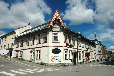 SLUTT: Det har vært café eller restaurantdrift i Gjøvik Arbeidersamfund siden det sto ferdig i 1889. Nå er det slutt for Gamletorvet Spiseri.