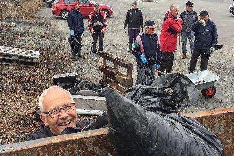SKIPPERTAK VED MJØSKANTEN: Jan Nordrum gjør et slag for Lynvingen og Mjøsstranda