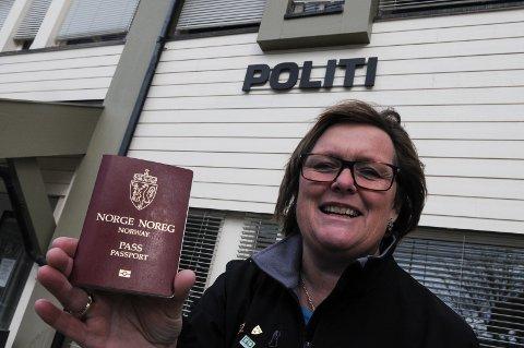 Ordfører Inger Torun Klosbøle er glad for at politiet har bestemt at det skal utstedes pass på Fagernes også i framtida. Foto: Ingvar Skattebu