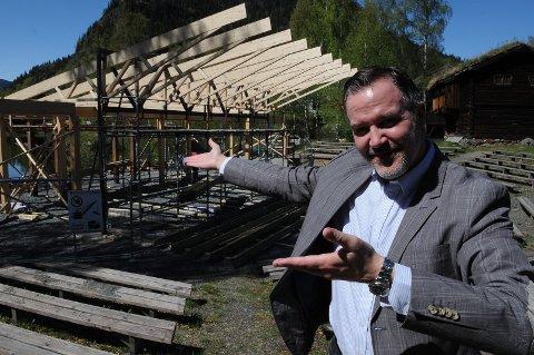 Museumsdirektør Ole Aastad Bråten håper det nye scenen kan bli Valdres sin storstue for kulturopplevelser. Foto: Ingvar Skattebu