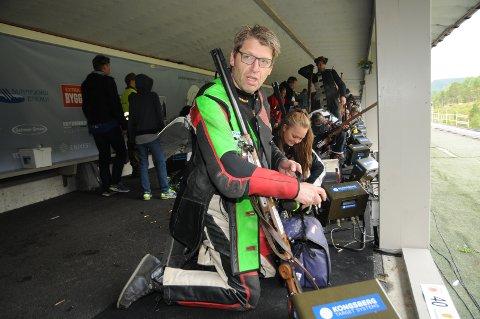 Ola Tore Dokken ble beste lokale skytter på en helgrå lokal dag på Landsskytterstevnet.