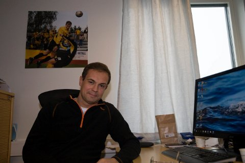 Christian Johnsen jobber mye med å sette sammen neste års spillerstall. Nå skal Raufoss-treneren finsikte en ung spiller fra Liverpool.