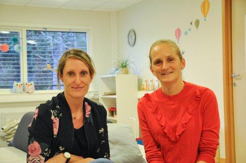 LEGE PÅ LAGET: Helsesøster Gunn Bergengen (tv) og leder Karoline Duenger for helsestasjonstjenester håper å få en lege med på laget. (Arkivbilde)