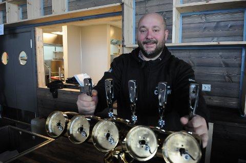 STARTKLAR: Pål Andvord i Beitostølen Barcraft er snart klar til å åpne Lodge 900, et urbant serverings- og partytilbud midt i Beitostølen.