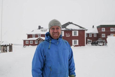 Tor Oxhovd er klar til å åpne Bygdin Fjellhotell som familieeid bedrift i høgsjellet. Foto: Ingvar Skattebu