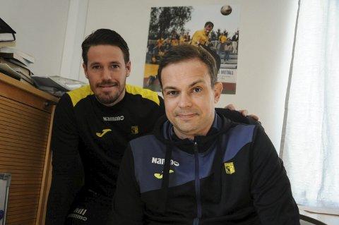 Manuel Hervas (bak) og Christian Johnsen fåt en tøff nøtt å knekke i lørdagens toppkamp på Grorud.