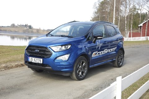 TØFFERE: Med ny front hentet fra Edge og Kuga, ser Fords lille crossover Ecosport straks ut som et mer fullverdig medlem av familien.FOTO: ØYVIN SØRAA