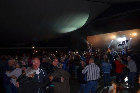 REKORD: Det ble pinserekord på Lavvotunet med 1150 innenfor portene. Se flere bilder på oa.no.