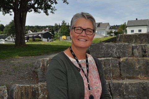 POPULÆRT STED: En relativt ny skole og flott utsikt er to av årsakene til at Vindingstad er et populært sted å bo for småbarnsfamilier, sier eiendomsmekler Gry Monica Brovold i DNB Eiendom.