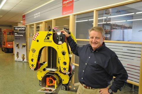 LOKAL: – Av denne kuttemaskinen produseres nitti prosent på Gjøvik, sier Harald Ramfjord i 1Diamond.