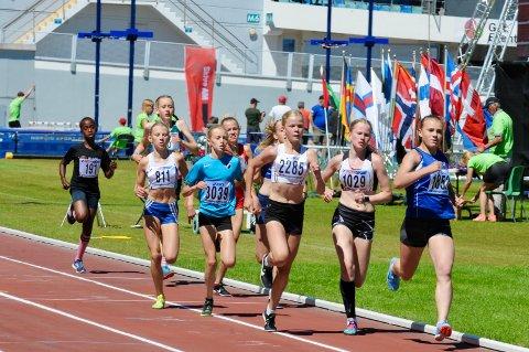 Sunniva Fjeld i aksjon da hun tok sølv i Värdsungdomspelen i Gøteborg i fjor.