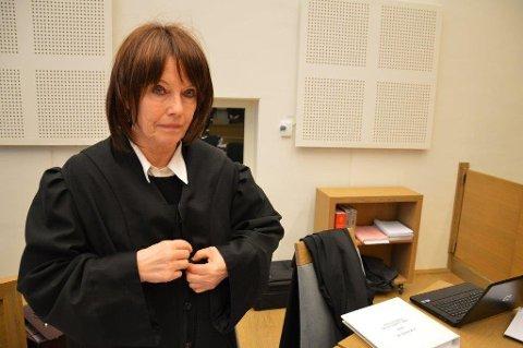 FORNØYD: Bistandsadvokat Inger Marie Støen er fornøyd og lettet over at Riksadvokaten har besluttet ikke å anke drapsdommen mot Hans Olav Overn fra Gjøvik tingrett.