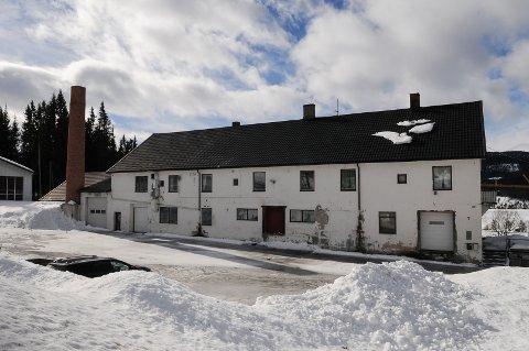 TIL SALGS: Øystre Slidre dampysteri har en rolle i Kjell Aukrust sitt Flåklypa-univers. Nå er bygningen til salgs. Foto: Ingvar Skattebu