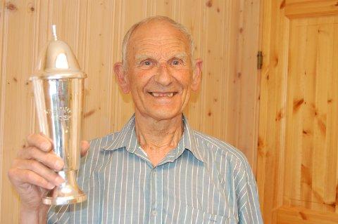 Snart 80 år gamle Odd Kolsrud presterte den beste serien av samtlige på 100-meteren, og vant sitt 18. landsdelsmesterskap.
