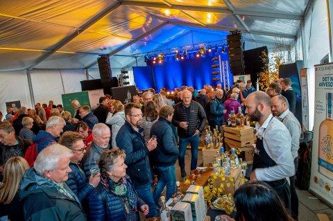 SNART FESTIVAL: Under Akevittfestivalen i oktober har arrangørene planer om å sette verdensrekord i brennevinsmaking. Det synes ikke alle like mye om.