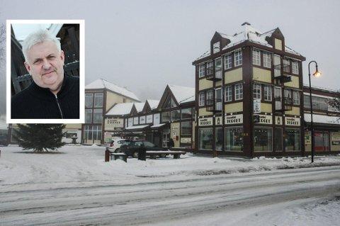 ET TILBUD MINDRE: Bondlidkafeen har vært en møteplass på Dokka siden 70-tallet. Snart er det slutt, forteller styreleder Kristian Roen.