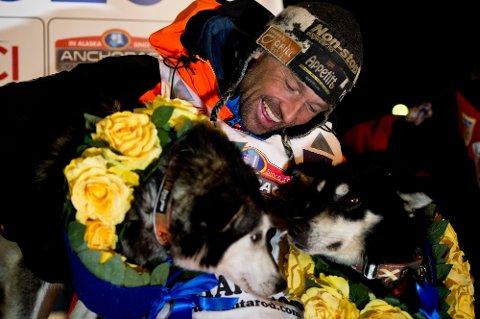 Thomas Wærner ble som tredje nordmann vinner av Iditarod. Han er fortsatt koronafast i Alaska.