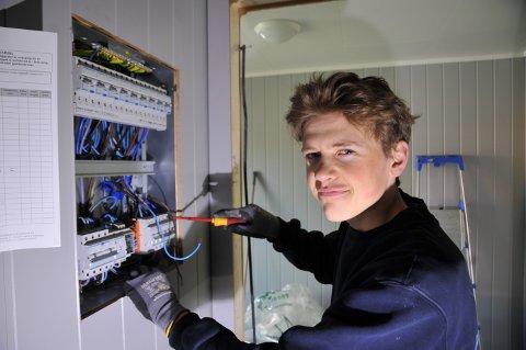 TILBAKE: Tobias Ugland er tilbake som elektrikerlærling og sykkelrytter etter å ha ligget med 40,9 i feber.