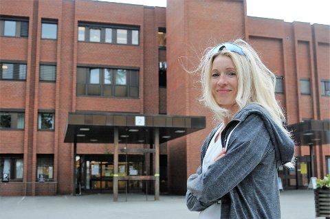 Silje Eklund arbeider til vanlig som operasjonssykepleier, men har jobbet i pandemimottaket etter at koronaviruset kom.