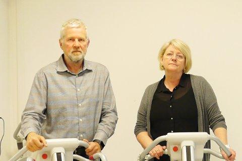 LURT: Ole Lindahl Thy og Tone Berge er blant dem som mister jobben på Etac Gjøvik, og føler seg lurt av konsernledelsen.
