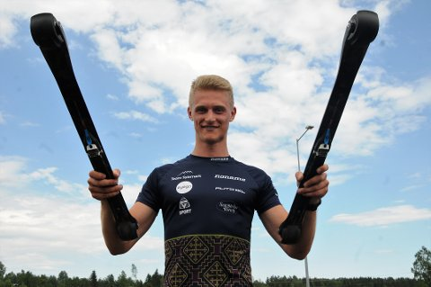 Etter fire år i USA satser Mathias Aas Rolid for fullt på langrenn sammen med blant andre Even Northug og andre sterke løpere i Team Telemark. Søndag fikk 24-åringen det tøft i TotenRullen etter en litt for hard åpning.