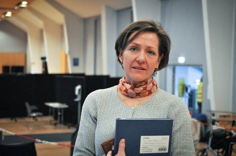 HOLD AVSTAND: Kommuneoverlege Siri Fuglem Berg bekrefter nytt smittetilfellet i Gjøvik kommune. Det er ingen grunn til å mistenke mutert virusvariant.