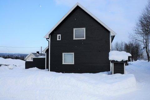 RAUFOSS: Vinkelvegen 1 på Raufoss ble solgt for kr 2.000.000 fra René Hanssen og Tone Iren Ingvaldsen til Haugdalen Eiendom AS.