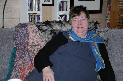KREFTSYK: Liv Anne Roed Larsen (65) fikk diagnosen benmargskreft i 2014. Selv om hun vet at hun ikke kan bli frisk, velger hun å være så positiv hun klarer.