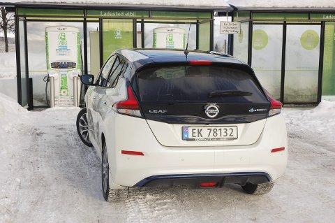 TILBAKE: Nissan er tilbake i Gjøvik. Her elektriske Leaf.FOTO: ØYVIN SØRAA