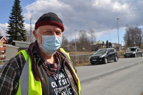 MØTE SØNDAG KVELD: Kommuneoverlege Jens A. Mørch og kommunens øverste ledelse har søndag kveld hatt møter. Hele kommende uke stenges fritidsaktiviteter ned i Vestre Toten.