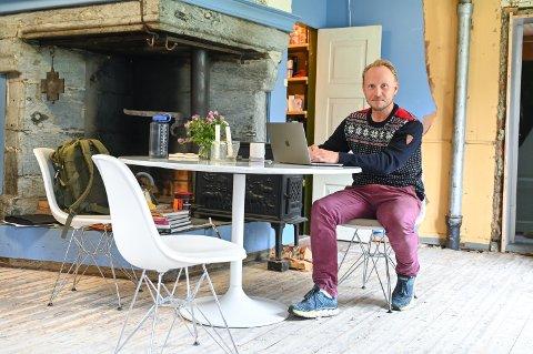 Thomas Karlsen har kjøpt Vestre Gausdal prestegård i Forset.