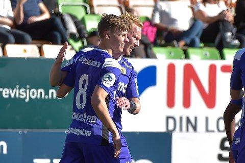 MÅLSCORERNE: Markus Johnsgård (t.v) og Sivert Westerlund scoret målene og fikk gode karakterer på OA-børsen.