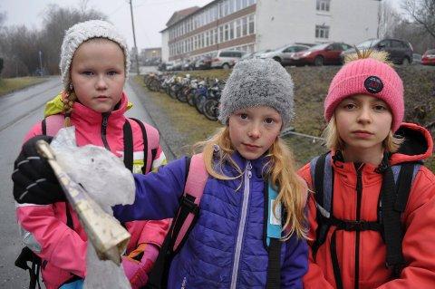 Fjerdeklassinger ved Ski skole er lei forsøpling i Ski.