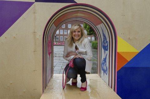 Aktiv dame: Gunvor Eldegard (Ap) bor i Ski og kombinerer lokalpolitikk med at aktivt liv på Stortinget. Hun sitter også i Nordisk råd og i ledelsen i Interparlamentarisk union. Foto: Kari Kløvstad