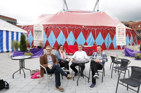 Vellykket: Festivalledelsen fikk til det de ønsket med kulturfestivalen SKIrkus, men anbefaler ikke å ha en så liten organisasjon ved lignende arrangementer. Fra venstre Thorstein Granly, Anette Lund, Kai Jordahl og Håvard Refsdal. FOTO: STIG PERSSON