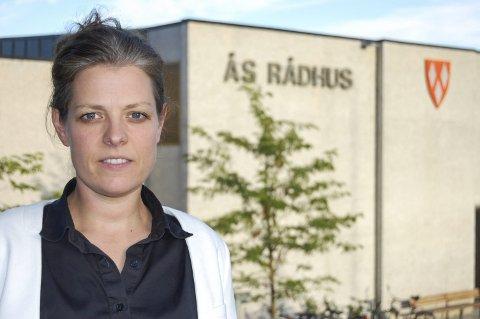 Respektløst: Marianne Røed, Ås Sp, er skuffet over fylkesmannen forslag til kommunesammenslåing i Follo. foto: Solveig wessel.