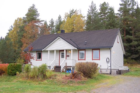 OKSRUD: Både hovedhuset og kårboligen på Oksrud eies av Ski kommune. Minirenseanlegget på kårboligen er ikke oppgradert innen fristen.