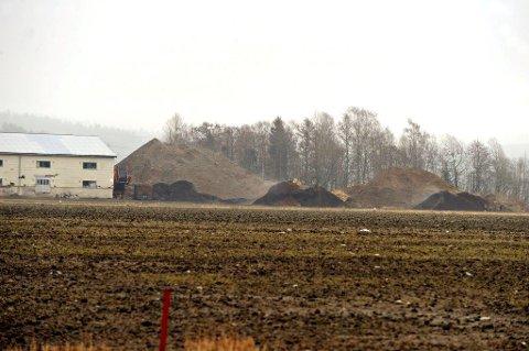 HAR DREVET ULOVLIG I 14 ÅR: Nå er det stopp, sier Ski kommune. Og har Fylkesmannen i ryggen.