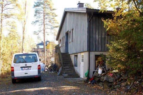 2a64ce5b TIL SALGS: Naboer og kommunen har reagert på at eneboligen ble brukt som