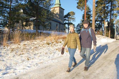 KREATIV LØSNING: – Hvor ikke bare kalle den Kirkebakken? foreslår Brit og Jan Halvorsen.