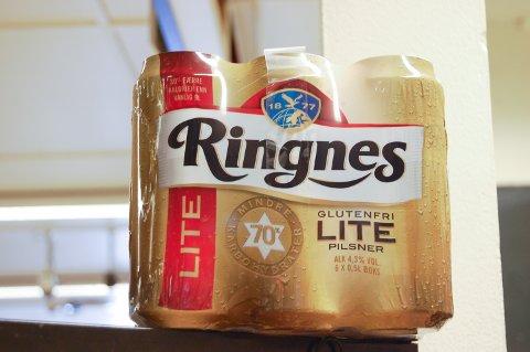 IKKE ALKOHOLFRITT: Det er få kalorier, men 4,3 prosent alkohol i Ringnes Lite.
