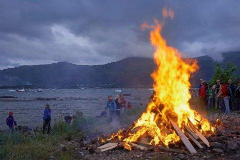 TRADISJONEN TRO: Sankthansbålet tennes på Breivoll i år også.