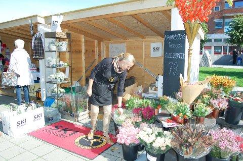 Av butikkene i gågata, var Ski Blomster en av de få som stilte opp på markedsdagen på lørdag.