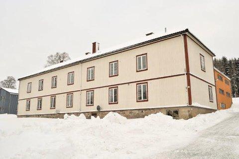 VIL RIVE: Fylkeskommunen mener Kommandanten er en viktig del av universitetsområdet, og råder Ås  kommune til ikke å gi rivingstillatelse.