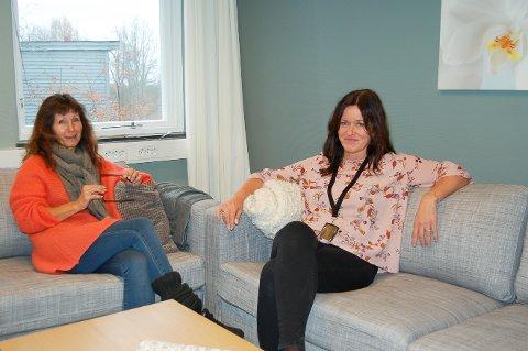I NYE LOKALER: I sommer flyttet Follo barnevernvakt, her ved nestleder Eva Brænna (til venstre) og daglig leder Berit Landmark, inn i nye lokaler i Ski sykehus.