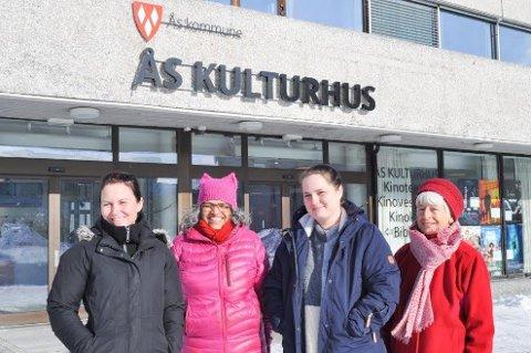 KLAR FOR KVINNEDAGSMARKERING: Fv: Myfanwy Moore, Saroj Pal, Maria Solbrekke Mäkinen og Gladys Wegge mener alle at Kvinnedagen er viktig - men har ulik opplevelse av hva kvinnekamp betyr.