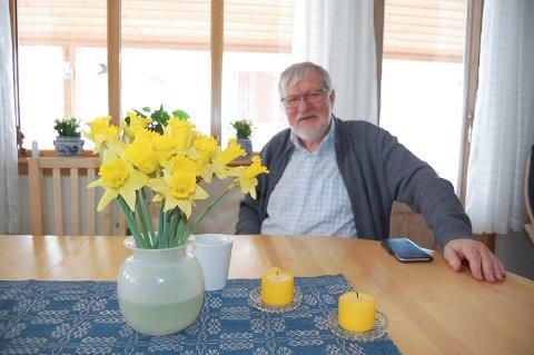 FRA SIDELINJEN: Georg Stub (H) har i mange år hørt politikere i Ski og Ås beskylde hverandre for mye rart. Det toppet seg med påstanden om at det ikke går an å stole på Ski kommune.