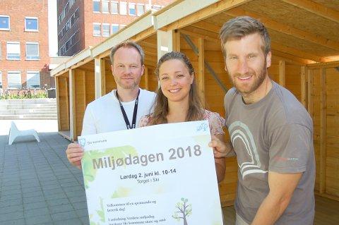 SE, SMAK OG LÆR: Overingeniør Helge Klevengen og miljørådgiverne Maja Dinéh Sørheim og Anders Berggren har mye å by på under Miljødagen lørdag 2. juni.